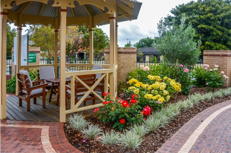 Garden Chill Area - Bicton Retirement Villages