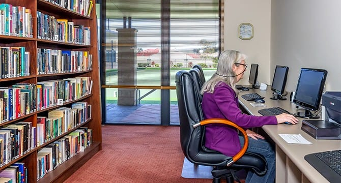 Seniors Accessing internet in arcadia waters Mandurah