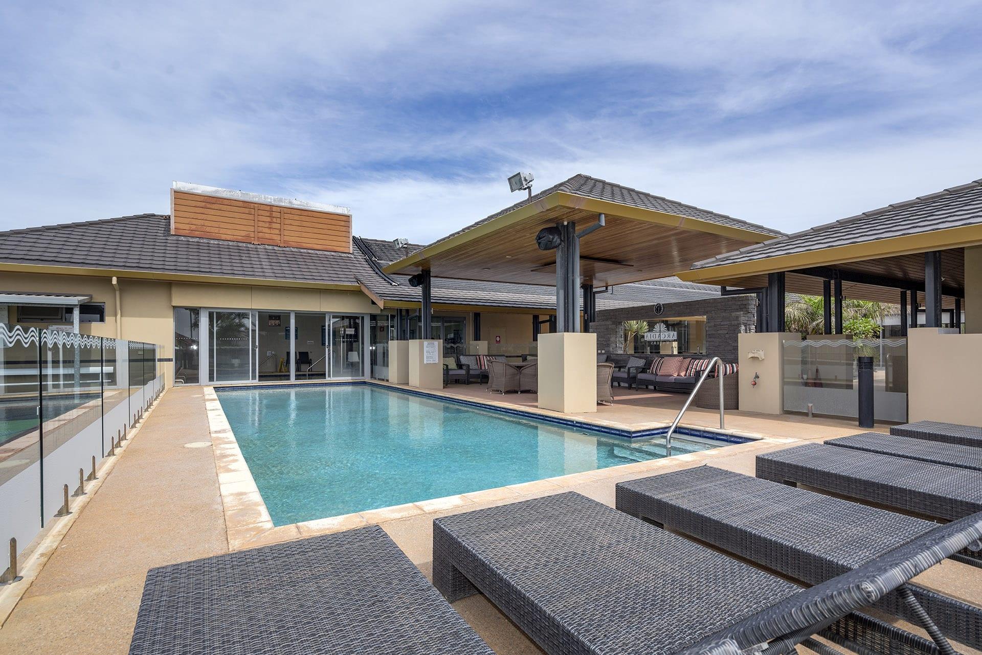 Arcadia Geraldton outdoor pool 2